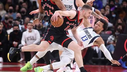 Михайлюк получил травму в матче НБА – голову зашивали во время матча