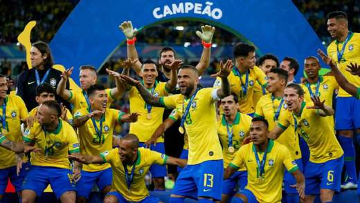 Бразилія у напруженому фіналі Копа Америка перемогла Перу