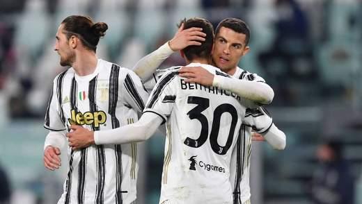 Ювентус уничтожил Специю и сократил отставание от Милана в Серии А: видео
