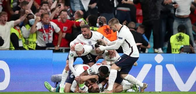 Скандальне рішення арбітра допомогло Англії перемогти Данію і вийти у фінал Євро-2020: відео