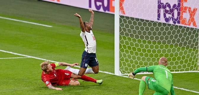 Англія завдяки 11 автоголу на Євро-2020 зрівняла у матчі з Данією: відео