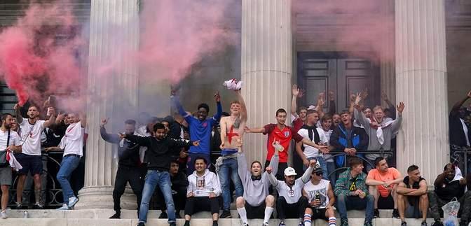 Англійські фани напали на італійців та увірвалися на стадіон перед фіналом Євро-2020: відео