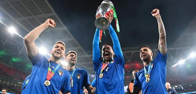 Щемливий момент: травмований Спінаццола перший отримав медаль переможця Євро-2020