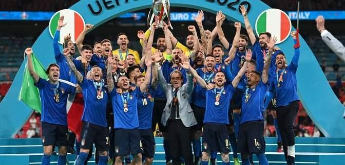 Церемонія нагородження збірної Італії на Євро-2020: відео