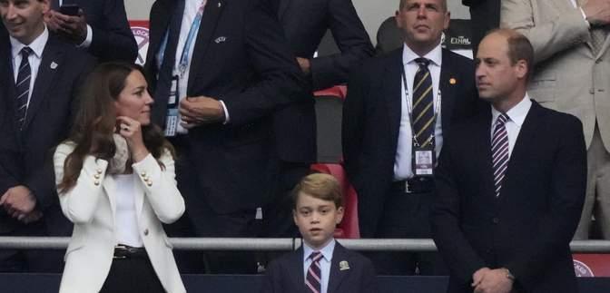 Принц Вільям та Кейт Міддлтон відвідали фінал Євро-2020 з сином Джорджем